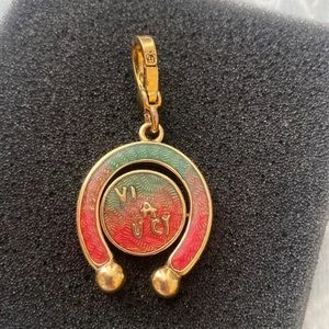 2004 JUICY COUTURE BANNER HORSESHOE SPINNER CHARM